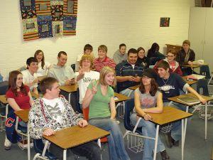 1280px-Calhan_High_School_Senior_Classroom_by_David_Shankbone